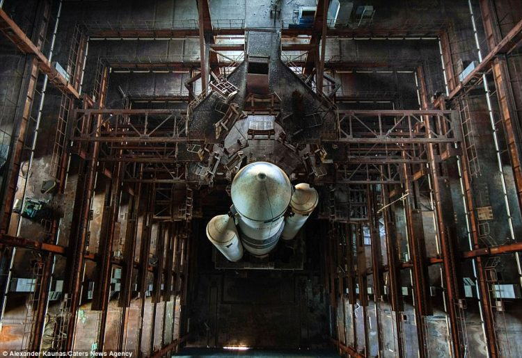 The super-strong Energia was a launch vehicle designed to propel the Buran, an unmanned spaceplane, into orbit in the 1970s.