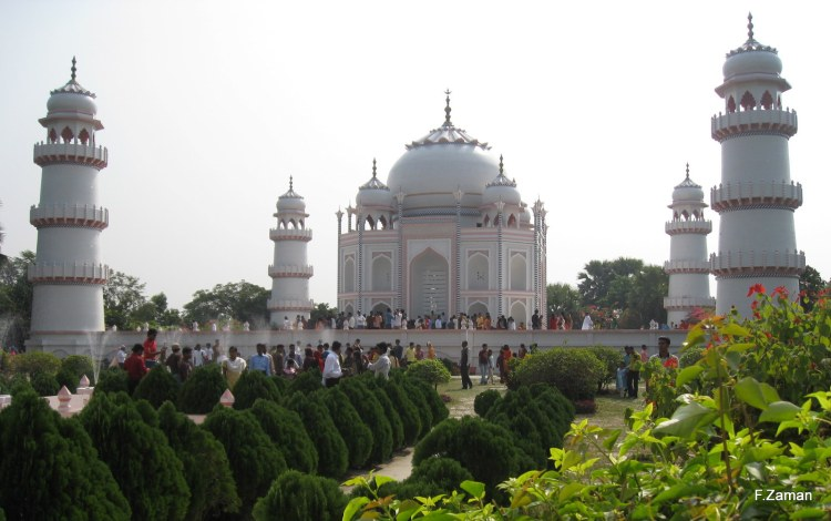 It is a scaled copy of the original Taj Mahal Unlike the original work on the building took only five years.