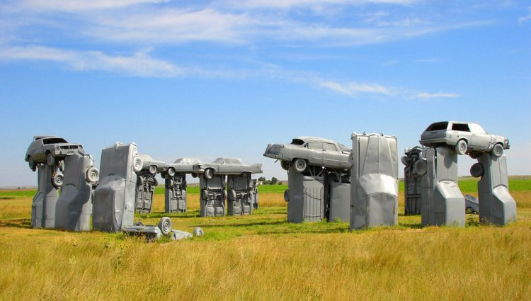 Carhenge replicates Stonehenge's current dilapidated state, rather than the original stone circle erected between 2500 BC and 2000 BC.