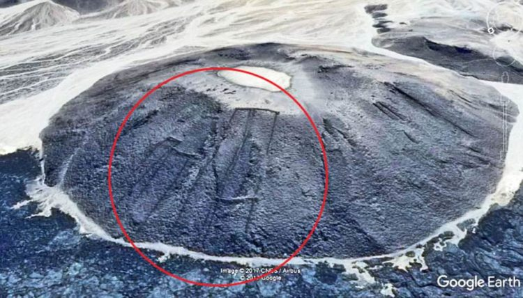 The Mysterious 400 Stone Structure of Saudi Arabia