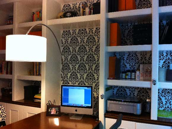 decorate-desk.jpg