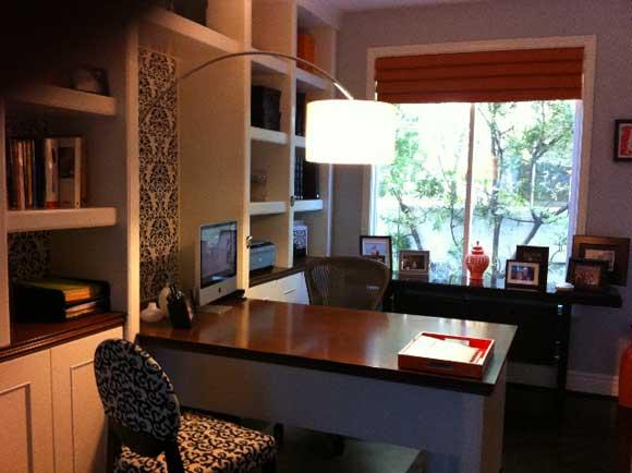 desk-lamp-office.jpg