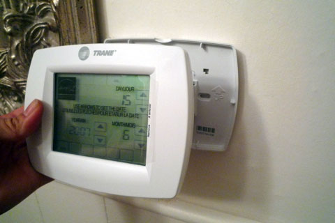 electronic-install-thermostat.jpg