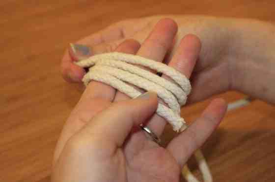 DIY Monkey Fist Knots for Wedding Decor - Charleston Crafted