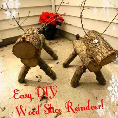 Easy DIY Wood Slice Reindeers!
