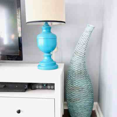 Easy DIY Update: Spray Painted Ombré Blue Basket