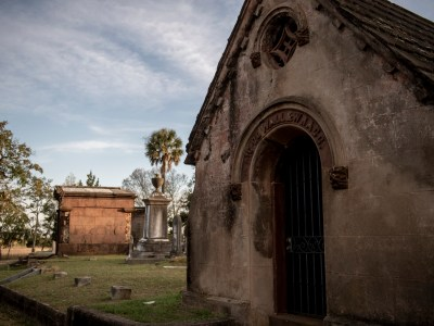 5 Haunted Historic Facts About Charleston