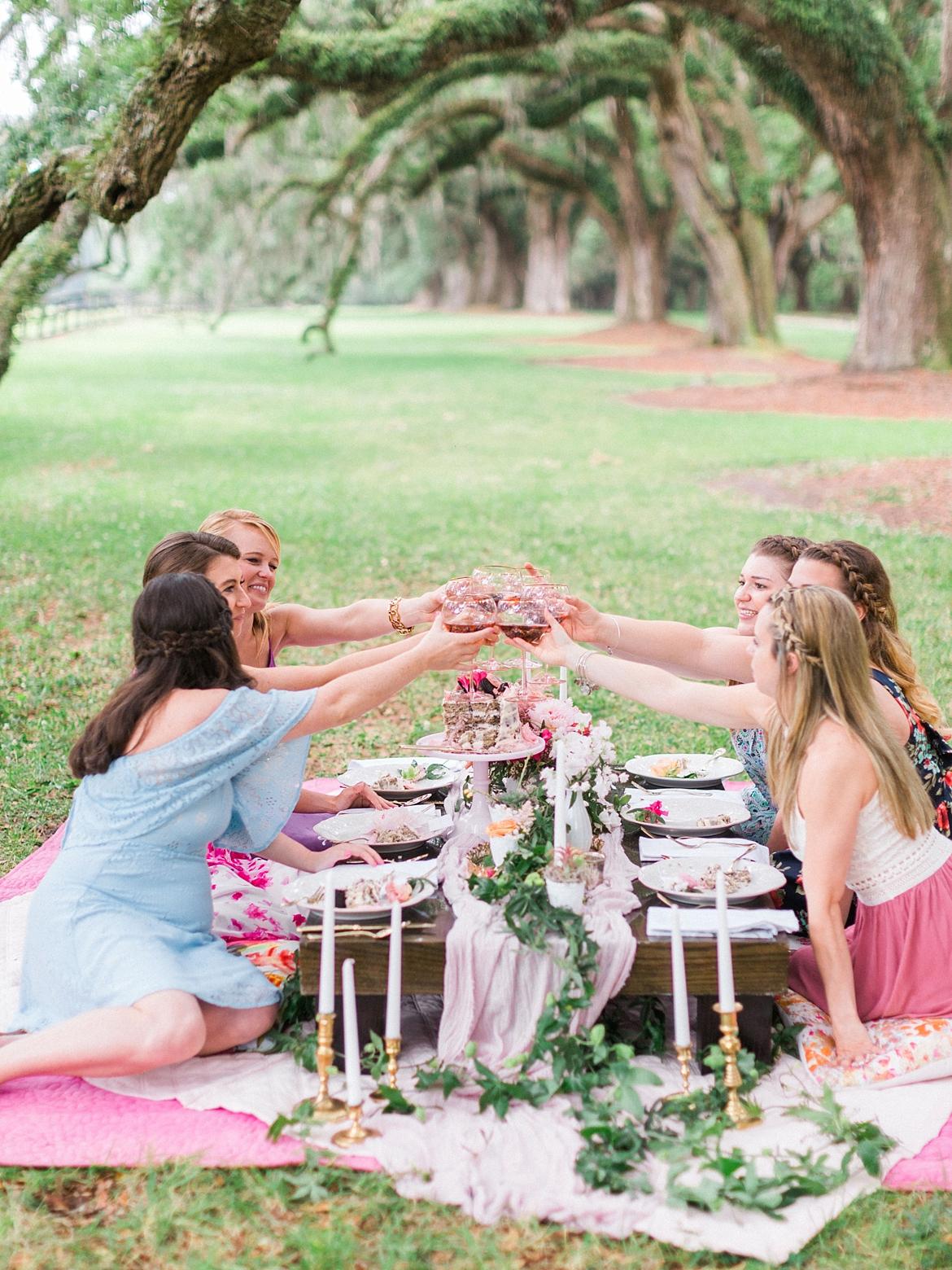 Charleston Wedding Guide_0100.jpg