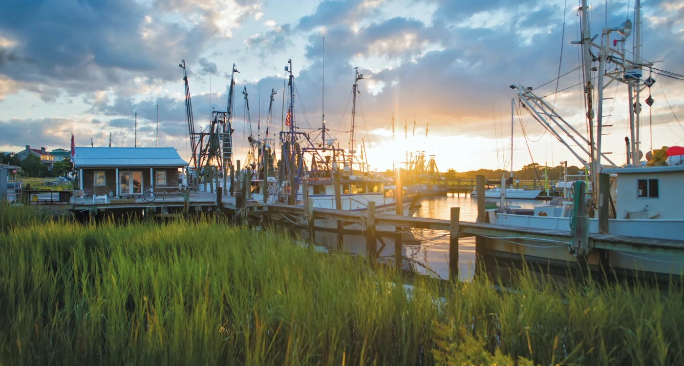 10 Charleston Spots in Netflix's Outer Banks That You Can Visit