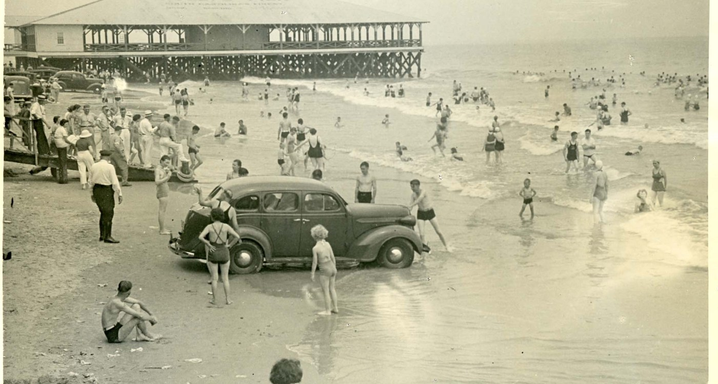5 Historic Photos of Charleston's Beautiful Beach Towns