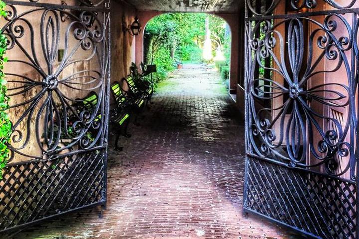 Explore Haunted Charleston