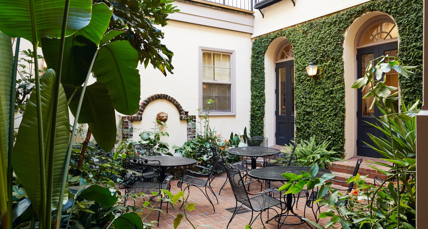 kings_courtyard_downtown_2017_exterior_02