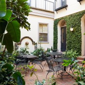 A Guide to Charleston's Hidden Courtyards