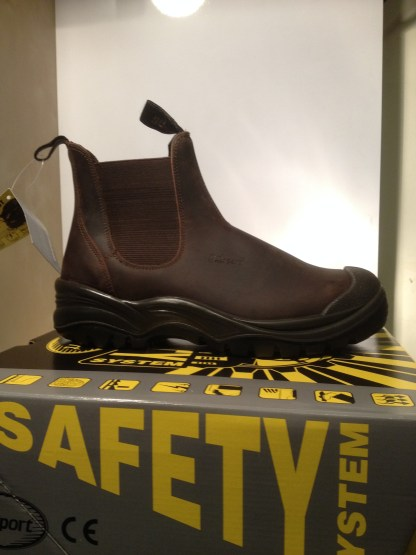 gri sport slip on safety boots