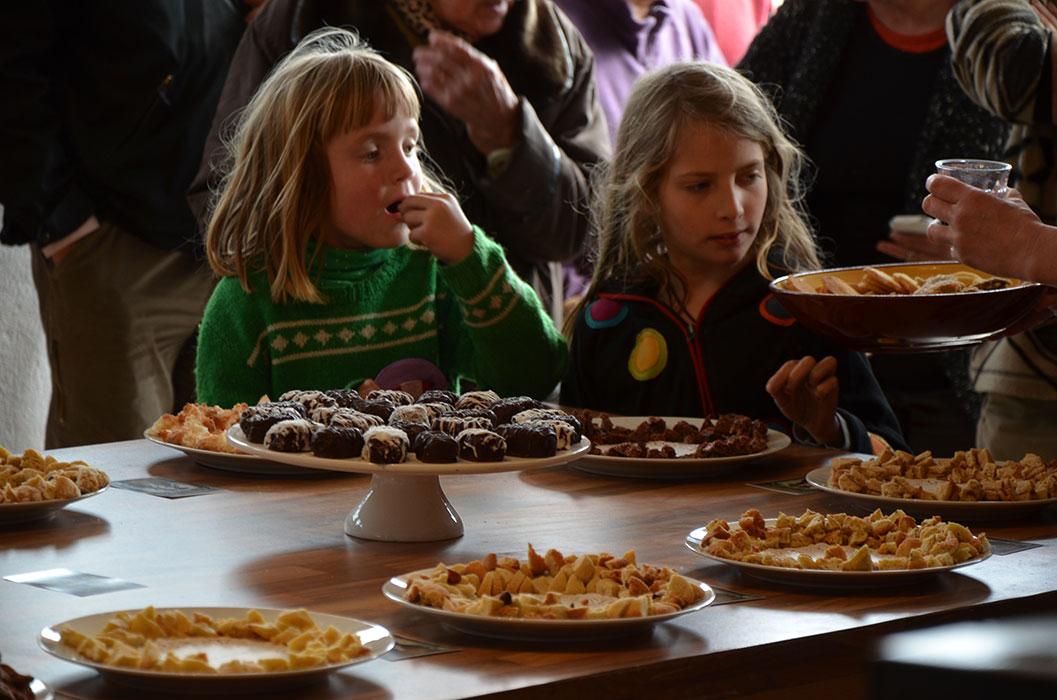 Hoe het dorp werd gered met zoete koekjes