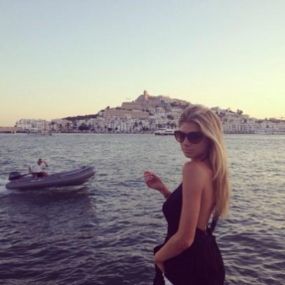 Charlotte McKinney - Beach - 16