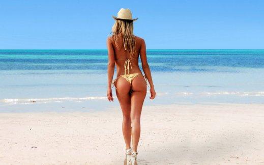 Charlotte McKinney - Beach - 21