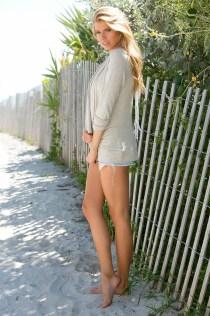 Charlotte McKinney - Manny Perez - 04