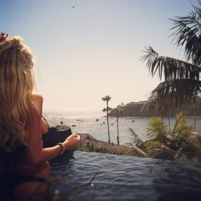Charlotte McKinney - Outdoor - 10