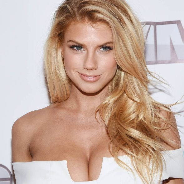 Charlotte McKinney – MSG Networks Original Programming Party - 03
