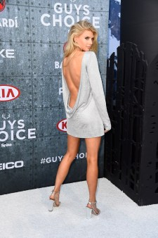 Charlotte McKinney - Guys Choice Awards - 05
