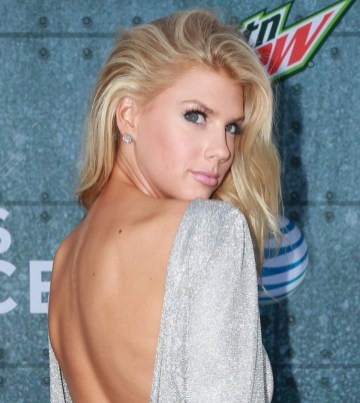 Charlotte McKinney - Guys Choice Awards - 06