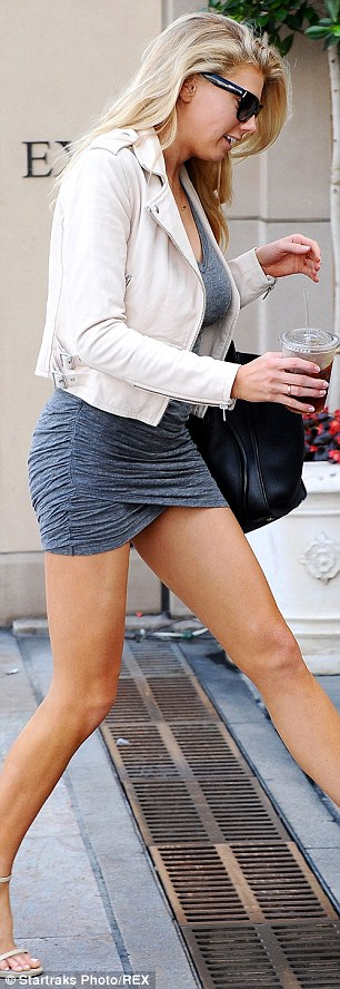 Charlotte McKinney - In the street - 11
