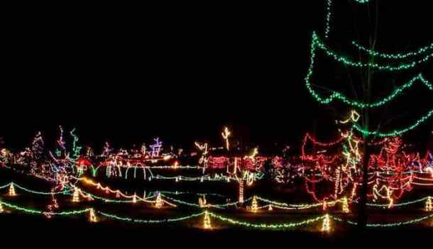 James Island Christmas Lights 2019.Best Christmas Light Displays In The Charlotte Area 2018