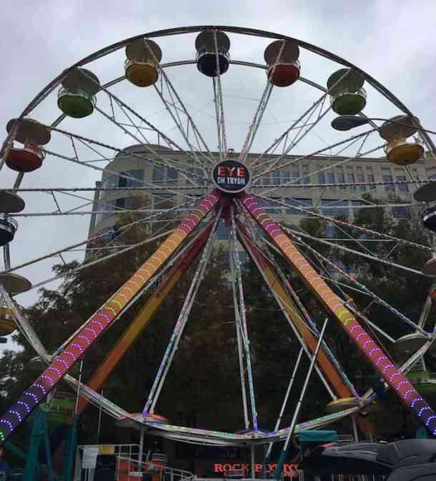 Charlotte On The Cheap >> Eye On Tryon Ferris Wheel