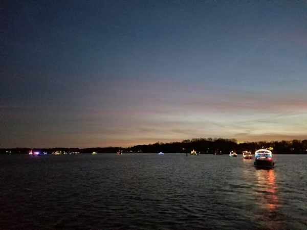 lake norman christmas light parade