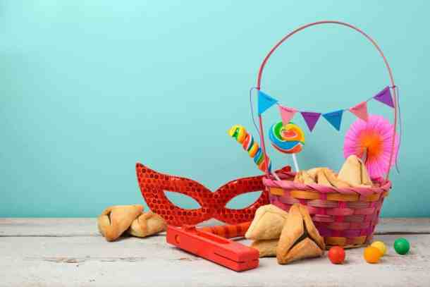 Purim mask hamentaschen, basket