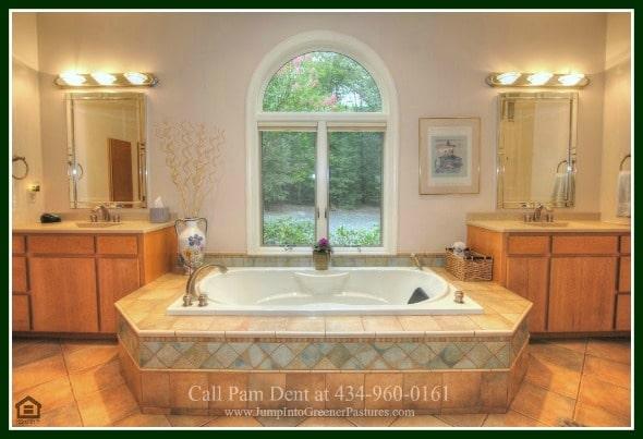 Luxury Homes for Sale in Scottsville VA