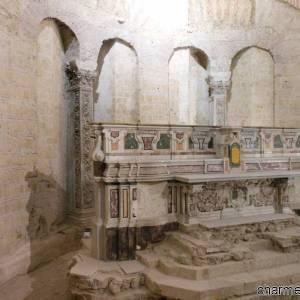 San_Giovanni_Maggiore_-_altare_e_abside