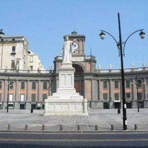 Napoli, piazza Dante