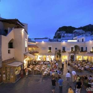 Capri, la piazzetta di notte