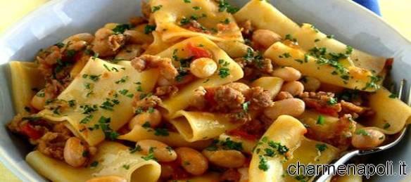 Pasta e fagioli con salsicce
