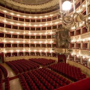 Palchi e platea del Teatro San Carlo di Napoli