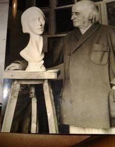 Lo scultore Giovanni Tizzano