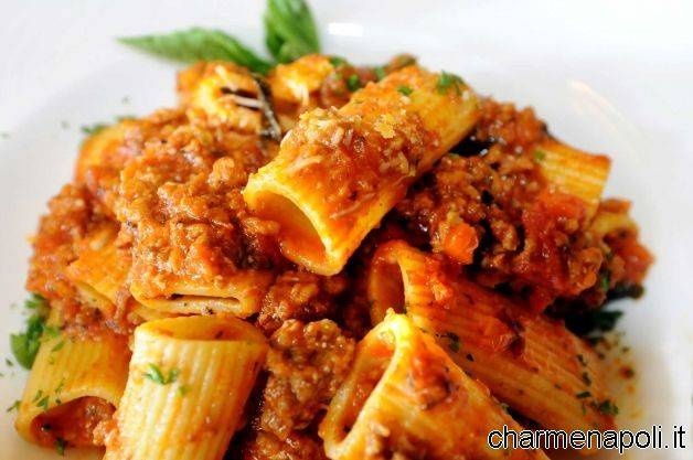 Bolognese napoletana una volta assaggiata non la lascerete pi charme - Ricette cucina napoletana ...