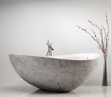 Papillon Bathtub - © Stone Forest