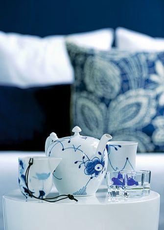 blauweißes Kaffeegeschirr - © Bo Bedre