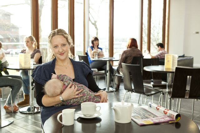 I'm Breastfeeding Everywhere And People Are Great About It!