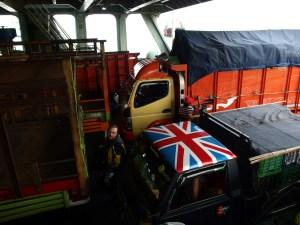 Rocinante is hiding between trucks