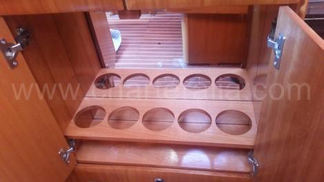 Cremalheira de garrafa em barco a vela para alugar em Ibiza
