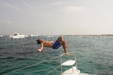 Divertir se em uma de nossas paradas da excursao a Formentera