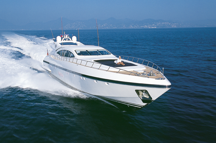 Yacht BE COOL Overmarine Mangusta Rodriguez Group