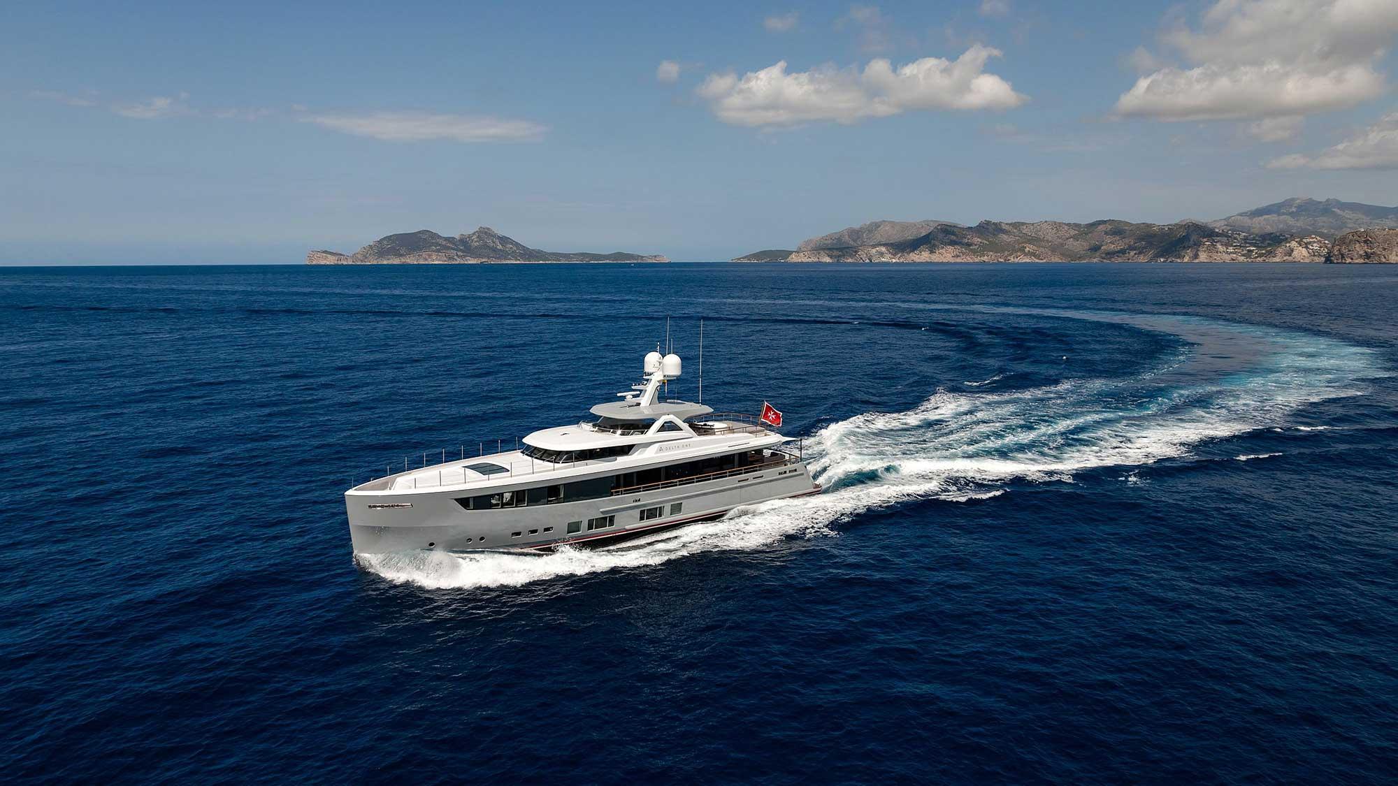 DELTA ONE Yacht Charter Details Mulder Yachts