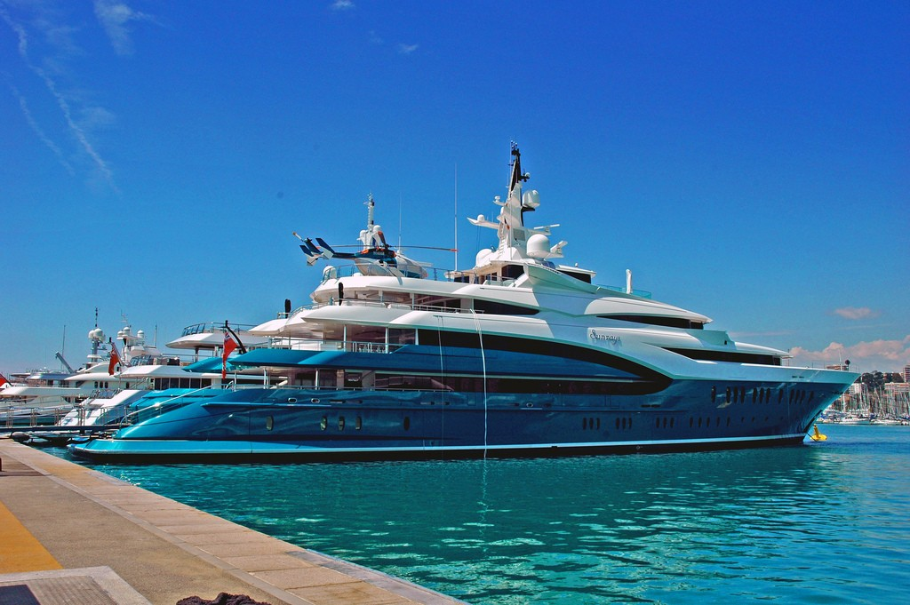 Yacht SUNRAYS Oceanco CHARTERWORLD Luxury Superyacht