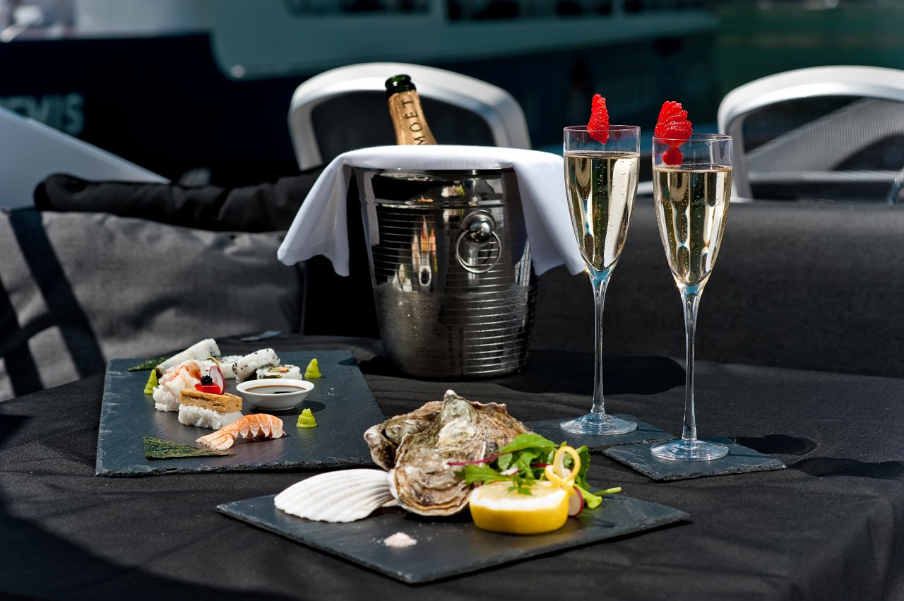 OOMKA Moet And Oysters Luxury Yacht Browser By