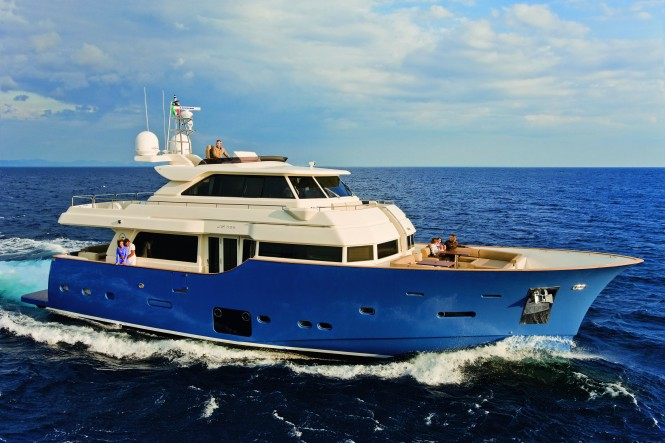 Mochi Craft Long Range 23 Motor yacht Winner of the UIM Environmental Award.